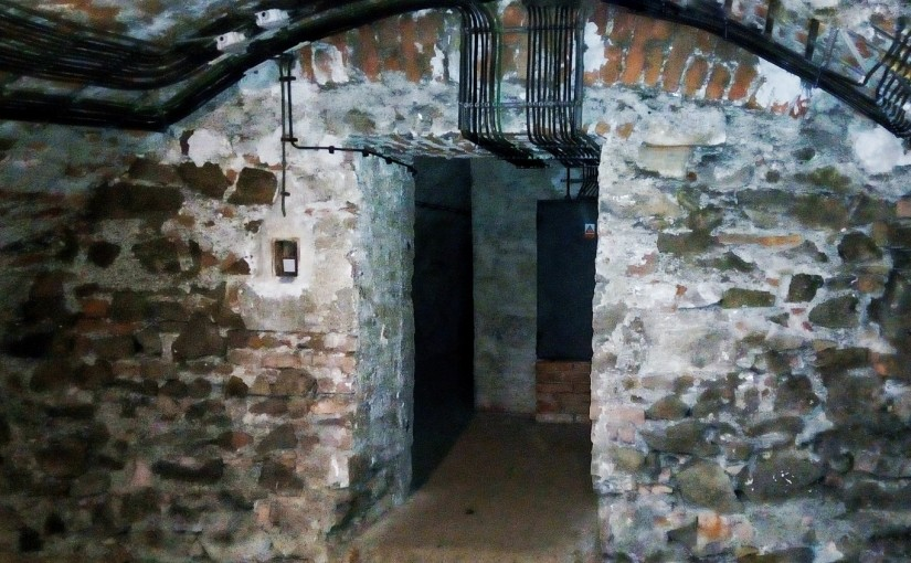 iPhriday: Crypt