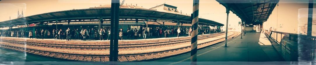 Loopy railway platform