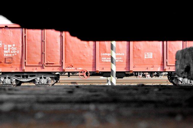 I spot a train