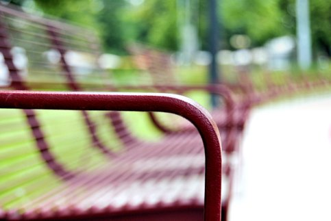 Grille(d) bench