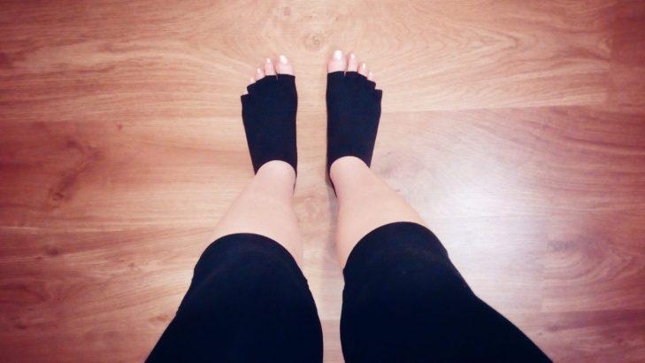 Socksies and no shoesies